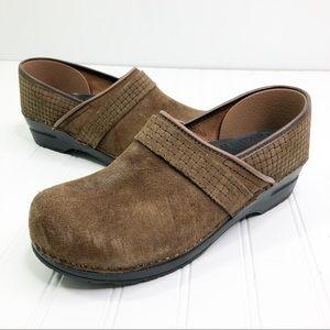 Sanita Nursing Clogs Suede Leather woven Brown
